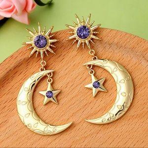 ✨Crescent Moon Boho Gypsy Gold Tone Earrings✨